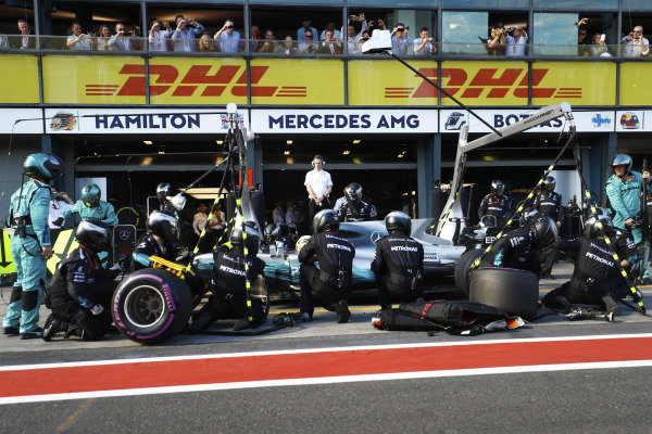 Lewis Hamilton (GBR) Mercedes-Benz F1 W08 Hybrid pit stop at Formula One World Championship, Rd1, Australian Grand Prix, Race, Albert Park, Melbourne, Australia, Sunday 26 March 2017.