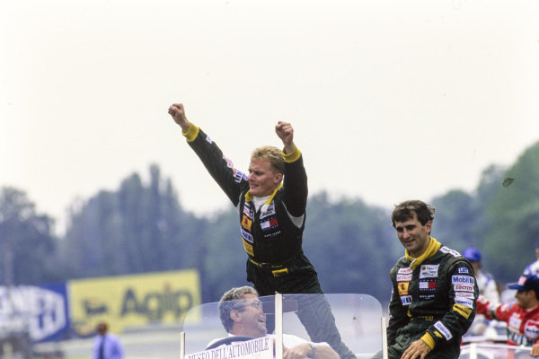 Johnny Herbert and Alessandro Zanardi on the drivers' parade.