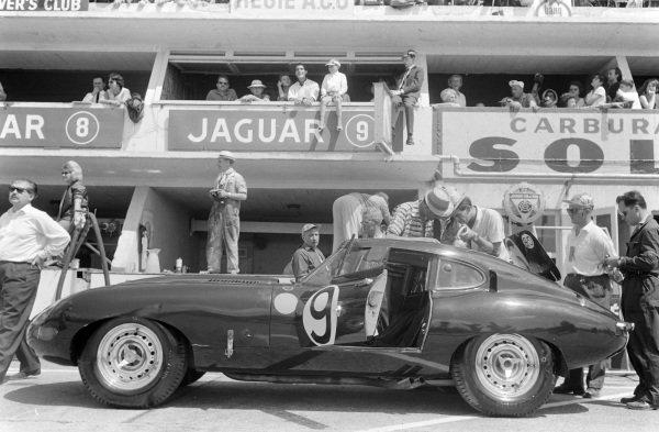 Peter Lumsden / Peter Sargent's Jaguar E-type Lightweight in the pits.