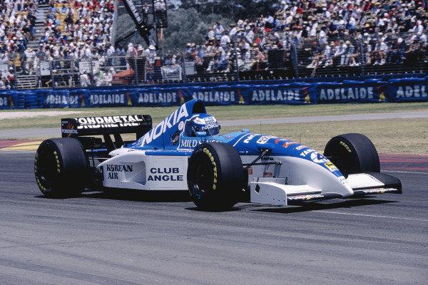 1995 Australian Grand Prix. Adelaide, Australia.  10-12 November 1995. Mika Salo (Tyrrell 023 Yamaha) 5th position. Ref-95 AUS 47. World Copyright - LAT Photographic