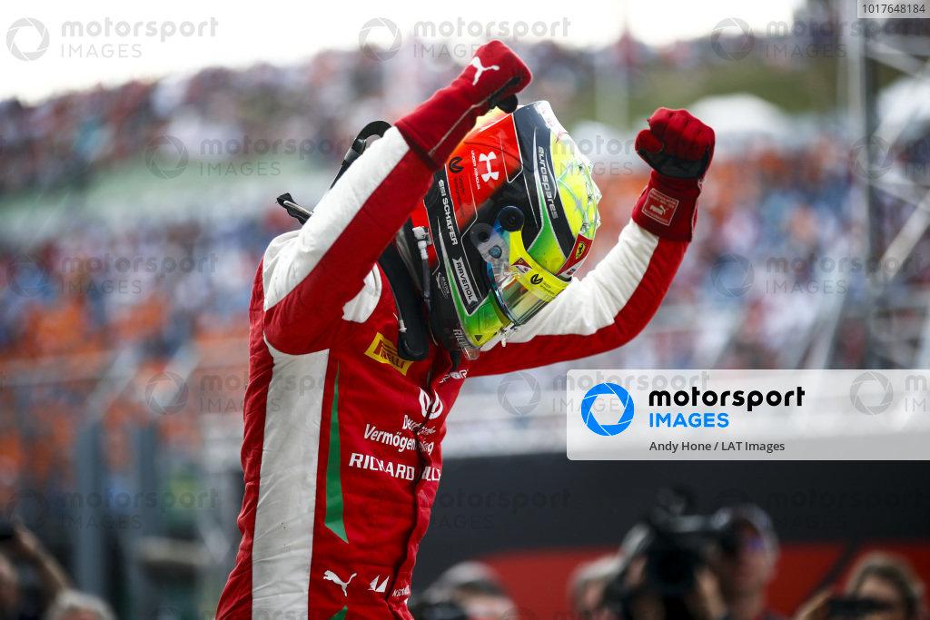 HUNGARORING, HUNGARY - AUGUST 04: Race winner Mick Schumacher (DEU, PREMA RACING) celebrates in parc ferme during the Hungaroring at Hungaroring on August 04, 2019 in Hungaroring, Hungary. (Photo by Andy Hone / LAT Images / FIA F2 Championship)