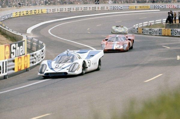1971 Le Mans 24 hours. Le Mans, France. 12-13 June 1971. Dominique Martin/Gerard Pillon (Porsche 917K) leads Teddy Pilette/Gustave Gosselin (Lola T70 Mk3B-Chevrolet) and Guy Chasseuil/Claude Ballot-Lena (Porsche 908/02). World Copyright: LAT Photographic Ref: 71LM34