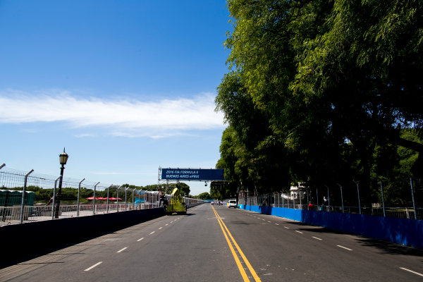 2015/2016 FIA Formula E Championship. Buenos Aires ePrix, Buenos Aires, Argentina. Friday 5 February 2016. A view of the start/finish straight. Photo: Zak Mauger/LAT/Formula E ref: Digital Image _L0U9870