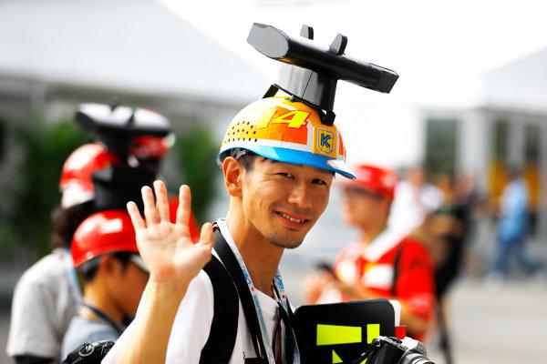 Suzuka Circuit, Japan. Saturday 07 October 2017. Fan of Fernando Alonso, McLaren. World Copyright: Steven Tee/LAT Images  ref: Digital Image _R3I7053