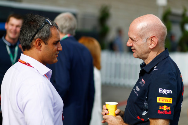Circuit of the Americas, Austin, Texas, United States of America. Saturday 21 October 2017. Juan Pablo Montoya and Adrian Newey, Chief Technical Officer, Red Bull Racing. World Copyright: Sam Bloxham/LAT Images  ref: Digital Image _J6I7283