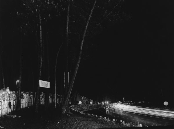 Le Mans, France. 23rd - 24th June 1951 Cars at night, atmosphere World Copyright: LAT Photographic Ref: Autocar Used Pic 29th June 1951 Pg 757.