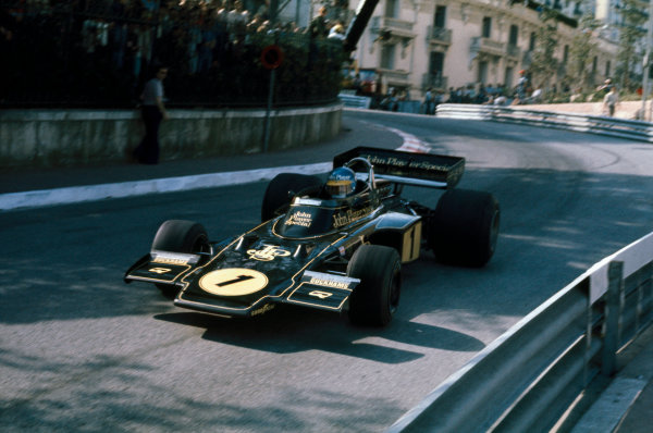 Monte Carlo, Monaco. 23 - 26 May 1974. Ronnie Peterson (Lotus 72E-Ford),1st position, action.  World Copyright: LAT Photographic. Ref: 74MON44