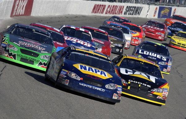 Michael Waltrip (USA), NAPA Auto Parts Chevrolet, leads the pack.NASCAR Winston Cup Series, Rd35, Pop-Secret Microwave Popcorn 400, Rockingham, North Carolina, USA. 9 November 2003.DIGITAL IMAGE