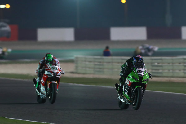 2017 Superbike World Championship - Round 13  Losail, Qatar.  Saturday 4 November 2017 Sylvain Guintoli, Puccetti Racing Eugene Laverty, Milwaukee Aprilia  World Copyright: Gold and Goose Photography/LAT Images ref: Digital Image 704243