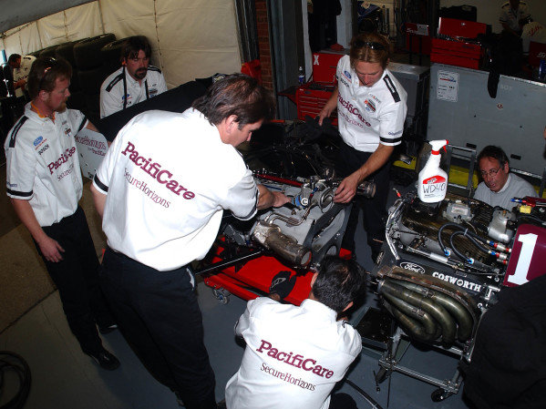 2003 ChampCar Series 3-5 May 2003London Trophy at Brands Hatch, England#1 Pacificare crew removing gear box from Ford engine2003-Dan R. Boyd USA LAT Photography