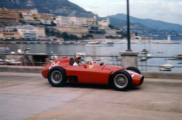 1956 Monaco Grand Prix.  Monte Carlo, Monaco. 10-13th May 1956.  Peter Collins (Lancia-Ferrari D50) 2nd position, shared with Juan Manuel Fangio.  Ref: 56MON04. World Copyright: LAT Photographic