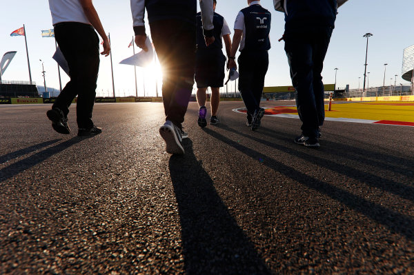 Sochi Autodrom, Sochi, Russia. Thursday 27 April 2017. Lance Stroll, Williams Martini Racing, conducts a track walk with colleagues. World Copyright: Glenn Dunbar/LAT Images ref: Digital Image _X4I5443