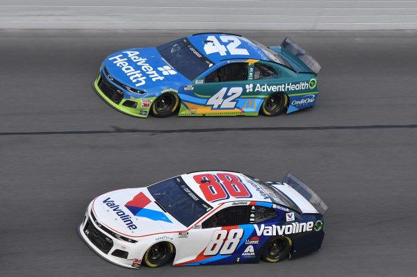 #88: Alex Bowman, Hendrick Motorsports, Chevrolet Camaro Valvoline, #42: Kyle Larson, Chip Ganassi Racing, Chevrolet Camaro AdventHealth