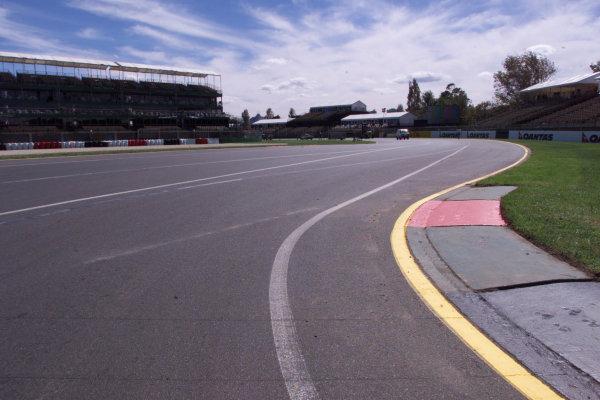 2000 Australian Grand Prix. Albert Park, Melbourne.10-12 March 2000.The track at the Albert Park circuit.World Copyright - LAT Photographic