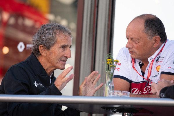 Alain Prost, Renault F1 Team, and Frederic Vasseur, Team Principal, Alfa Romeo Racing