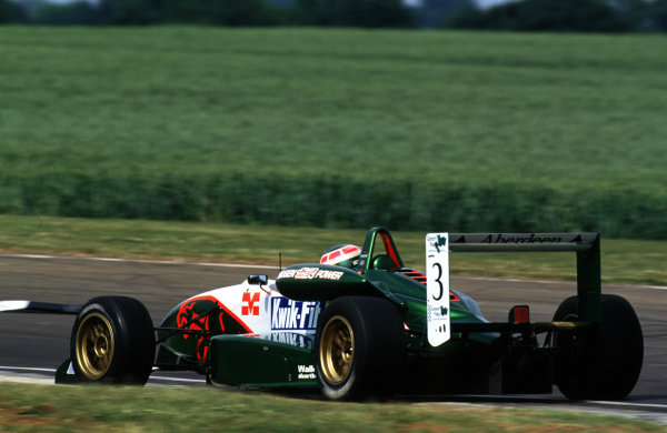 2001 British Formula 3 ChampionshipCastle Combe, England. 23rd - 24th June 2001.Andre Lotterer (Jaguar Racing F3) - action.World Copyright: Peter Spinney/LAT Photographicref: 35mm Image A07