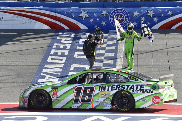 #18: Kyle Busch, Joe Gibbs Racing, Toyota Camry Interstate Batteries