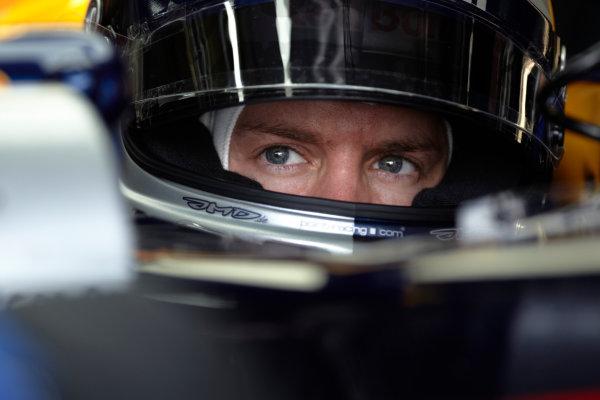 Interlagos, Sao Paulo, Brazil. 26th November 2011. Sebastian Vettel, Red Bull Racing RB7 Renault. Portrait. Helmets.  World Copyright: Steve Etherington/LAT Photographic ref: Digital Image SNE26881