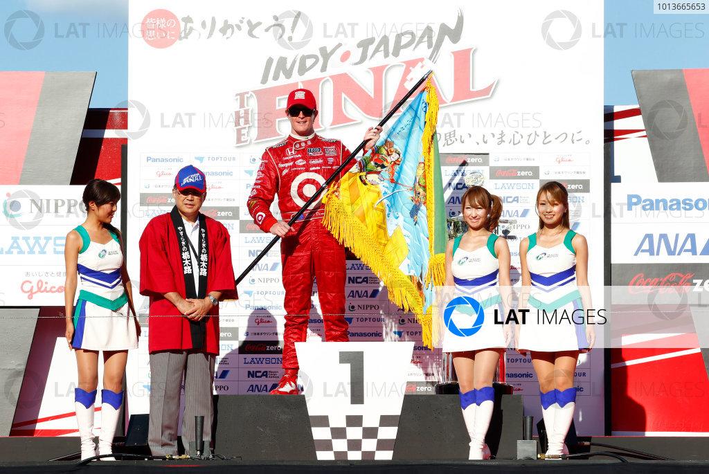 15-18 September, 2011, Twin Ring Motegi JapanScott Dixon receives the gift of a flag from Tochigi prefecture.(c)2011, Phillip AbbottLAT Photo USA